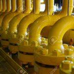 48701111-Construcciones-de-tuber-as-en-la-plataforma-de-producci-n-proceso-de-producci-n-de-la-industria-de-p-Foto-de-archivo