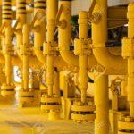 54038059-tuber-as-en-la-plataforma-de-petr-leo-y-gas-para-la-producci-n-de-Foto-de-archivo